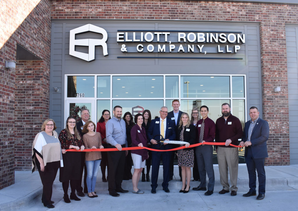 Republic Office Ribbon Cutting